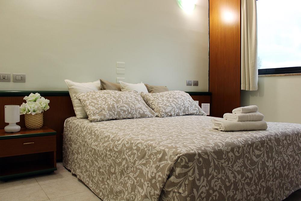 camera-matrimoniale-hotel-cristallo